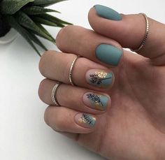 The advantage of the gel is that it allows you to enjoy your French manicure for a long time. There are four different ways to make a French manicure on gel nails. Classy Nails, Stylish Nails, Simple Nails, Dream Nails, Love Nails, Pretty Nails, Nailart, Nail Polish, Nail Nail