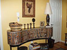 african decorating ideas | ... african artifacts and a library of books on conservation, african art