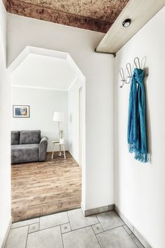 foyer, przedpokój, home staging, mieszkanie w bloku, aranżacja mieszkania, metamorfoza, mały przedpokój, fotografia wnętrz