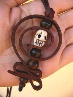 Collar de cuero de calavera amuleto Diosa Kali