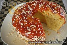 Saindo do forno, ainda quentinho temos no #lanche este delicioso Bolo de Fubá com Aveia!  Quem quer uma fatia?  #Receita aqui: http://www.gulosoesaudavel.com.br/2012/06/15/bolo-fuba-aveia/