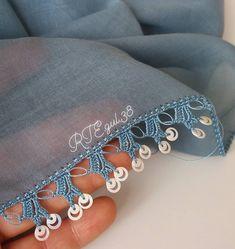 Analı kızlı pul oyası tülbent Filet Crochet, Knit Crochet, Crochet Patterns Amigurumi, Baby Knitting Patterns, Embroidery Fashion, Hand Embroidery, Knitting Socks, Hand Knitting, Knitted Baby Clothes