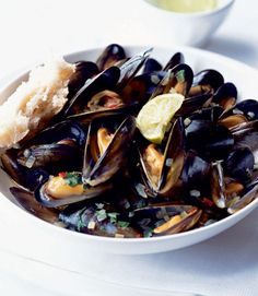 Coriander-and-beer-mussels