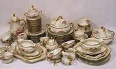Kaffee- und Essservice, Rosenthal, 1. Hälfte 20. Jh. 85 Teile, darunter u.a. Deckelterrinen, Sauci — Porzellan