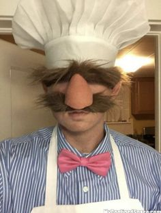 The Swedish Chef! Who else remembers this one? ★ Via ★ ★ ★ ★ Halloween Costume Ideas ★ Men's Halloween Costume ★ Halloween Costume Men ★ Halloween Party Ideas ★Halloween Celebration ★ Creative Costumes, Cute Costumes, Diy Halloween Costumes, Halloween Cosplay, Halloween Makeup, Cosplay Costumes, Chef Costume, Awesome Costumes, Mouse Costume