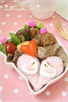 【作り方】ラブラブ小鳥さんとハートのおにぎりの作り方 asamiオフィシャルブログ「asamiのおうち。簡単かわいいキャラ弁の作り方」Powered by Ameba