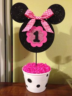 Minnie Mouse 1st birthday centerpiece