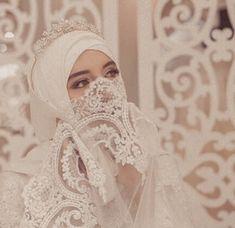 Muslimah Wedding Dress, Muslim Wedding Dresses, Muslim Brides, Bridal Dresses, Muslim Girls, Beautiful Muslim Women, Beautiful Hijab, Arab Bride, Wedding Hijab Styles