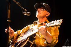 Kurt Wagner, cantante y guitarrista de Lambchop, Kafe Antzokia, Bilbao, 16/07/2015. Foto por Dena Flows