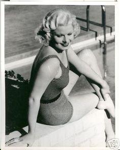 Jean Harlow poolside