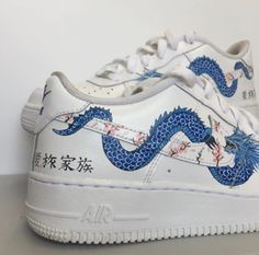 Behind The Scenes By repcustoms Nike Air Force One, Nike Shoes Air Force, Custom Painted Shoes, Custom Shoes, Custom Af1, Painted Sneakers, Creative Shoes, Aesthetic Shoes, Hype Shoes