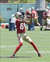 Randy Moss Reminding Vernon Davis Of The Old Randy Moss He Watched In High School