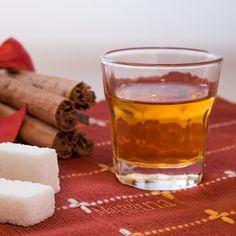 LIQUORI FATTI IN CASA Raccolta Blog Cucina Casareccia Limoncello, Cocktails, Drinks, Shot Glass, Food And Drink, Smoothie, Mugs, Tableware, Handmade