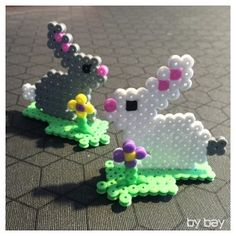 Hama rabbits – Famous Last Words Quilting Beads Patterns Hama Beads, 3d Perler Bead, Perler Bead Templates, Pearler Bead Patterns, Perler Patterns, Fuse Beads, Loom Patterns, Quilt Patterns, Bead Crafts