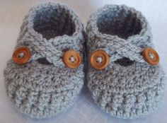 Crochet baby shoes