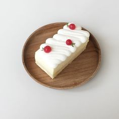 Pretty Cakes, Cute Cakes, Cute Desserts, Dessert Recipes, Mochi Cake, Good Food, Yummy Food, Cafe Food, Aesthetic Food