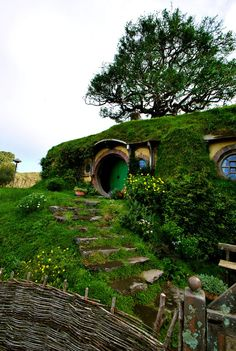 To take my deserving hubby on the vacation of his childhood dreams, Hobbiton New Zealand