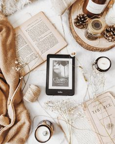 Coffee Shop Aesthetic, Cream Aesthetic, Book Aesthetic, Aesthetic Photo, Aesthetic Pictures, White Wallpaper For Iphone, Book Wallpaper, Flat Lay Photography, Book Photography