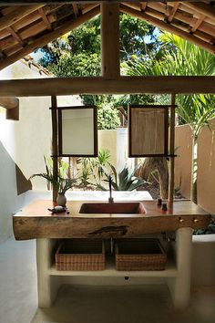 In the relaxed Bahian seaside village of Trancoso, Uxua Casa Hotel & Spa has become the boutique lodging of choice for discerning Brazilian elite and international jet-setters. Hotel Bali, Casa Hotel, Hotel Spa, Outdoor Bathrooms, Outdoor Baths, Indoor Outdoor, Bungalow, Tropical Bathroom, Bohemian Bathroom
