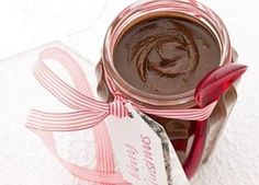 A deliciously simple nutty spread perfect for giving away as a present or just enjoying yourself Edible Christmas Gifts, Christmas Fudge, Xmas Food, Edible Gifts, Christmas Hamper, Christmas Cooking, Christmas Countdown, Christmas Candy, Homemade Christmas