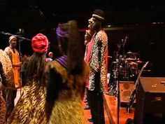 Soweto Gospel Choir - Sitheng Sediba  По мелодике похоже на русские народные песни... в африканской  аранжировке. :)