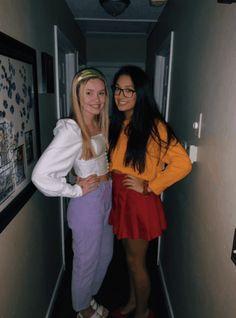 Velma Halloween Costume, Black Girl Halloween Costume, Best Friend Halloween Costumes, Trendy Halloween, Halloween Outfits, Diy Halloween, Halloween Makeup, Biker Halloween, Daphne Scooby Doo Costume