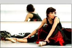 Sylvie Guillem by Laurie Lewis Sylvie Guillem by Laurie Lewis