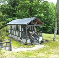 Tiny Shotgun Shack with Covered Front Porch - Tiny House Pins Little Cabin, Little Houses, Shotgun House, Covered Front Porches, Cabins And Cottages, Small Cabins, Small Buildings, Tiny House Living, Small Living