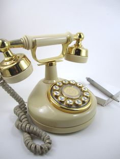 I always wanted one of these phone because they seem so classy.