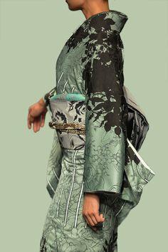 The Kimono Gallery: Photo - Dehily Ethnic Fashion, Kimono Fashion, Asian Fashion, Yukata Kimono, Kimono Fabric, Traditional Japanese Kimono, Traditional Dresses, Japanese Outfits, Japanese Fashion