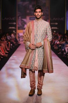 Model displays the creation of fashion designers Shantanu &and Nikhil during the Lakme Fashion Week (LFW) Summer/ Resort 2014 www.chimoraprint.com