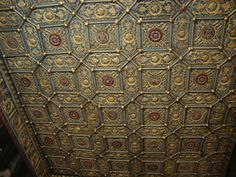 A full view of the same ceiling in Royal Hampton Court London -simply stunning