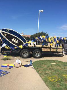 Football float / Sunnyvale homecoming parade