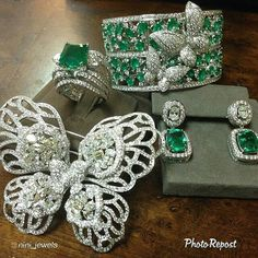 "By @nini_jewels ""Green with Envy."""