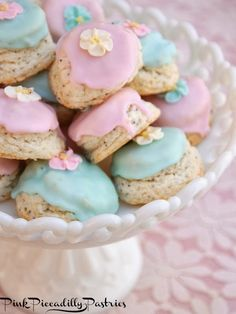 Pink Piccadilly Pastries: Shabby Lemon Scones for a Pretty Cream Tea