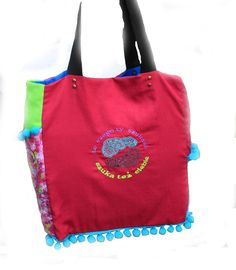 bag MI CAMINO aplicated, embroidered, front page, inscription.