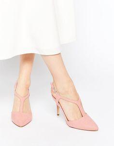 dc73b35b7b5e8 33 meilleures images du tableau Chaussures   Fashion shoes, Loafers ...