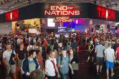 """Dla fanów gier i nie tylko ;) - do przeczytania za ZERO dzięki Znak it! - """"Nowe zasady #gry"""" - """"Jakie będą rozrywki przyszłości? Już dziś cyfrowe klony aktorów grają w interaktywnych grach-filmach, a ze stron książek wyrastają #holograficzne światy. To wszystko można było zobaczyć na #największych na świecie #targach gier #wideo #Gamescom w Kolonii""""; więcej - http://www.wprost.pl/ar/340125/Nowe-zasady-gry/"""