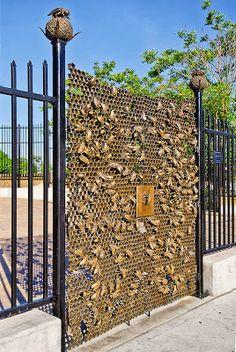 coolest gate ever ! :paradis express