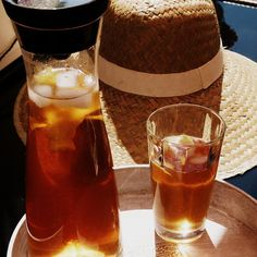 Homemade Iced Tea! Schwarzer Tee + Zitrone + Agavensirup + Wasser + Eis