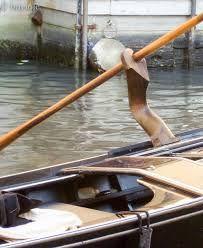 forcola veneziana - la forcola nella posizione della gondola