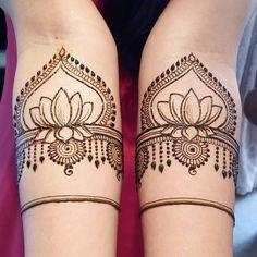 ideas for fashion photography artistic pictures Mehndi Design Pictures, Mehndi Images, Unique Mehndi Designs, Bridal Mehndi Designs, Wedding Henna, Bridal Henna, Mehndi Tattoo, Henna Tattoo Designs, Mehandhi Designs