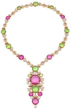 Collezione di alta gioielleria BVLGARI High-Jewellery-necklace-in-pink-gold High-Jewellery-necklace-in-pink-gold http://www.spazidilusso.it/
