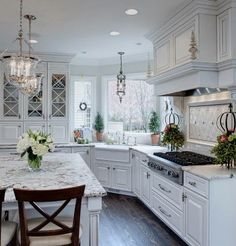 Well-dressed traditional kitchen via Houzz.com