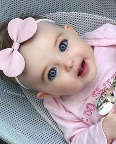 Cute Little Baby Girl, Cute Baby Girl Pictures, Baby Boy Photos, Baby Kind, Little Babies, Baby Love, Cute Babies, Beautiful Children, Beautiful Babies