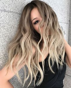 @hairbesties_ this is one of my favorite blonde models while I was in #korea ❤️I am excited to announce I will be in #Taiwan to share blonding techniques with my team @olaplex @arianasin ❤️