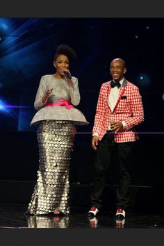 Mafikizolo's Nhlanhla Nciza. In love with this look Fashion Colours, Love Fashion, Plus Size Fashion, African Dress, African Outfits, African Design, Red Carpet Looks, Ankara Styles, African Fashion