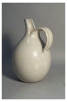#pitcher #vase #ideas Grey Gray Inspiration Neutral Shades Tones Colour Color Ceramic Pitcher, Ceramic Clay, Ceramic Pottery, Pottery Art, Keramik Design, Sculptures Céramiques, Keramik Vase, Pottery Designs, Pottery Ideas