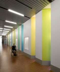 Gallery of Sport and Fitness Center for Disabled People / Baldinger Architectura. Gallery of Sport and Fitness Center for Disabled People / Baldinger Architectural Studio - 23 Lobby Interior, Office Interior Design, Office Interiors, Colour Architecture, School Architecture, Healthcare Architecture, Disabled People, Sports Complex, Learning Spaces