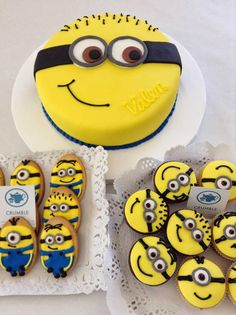 Creative Despicable Me Minion Birthday Cake Ideas #Minion cookies cupcakes cakes made by CRUMBLE  Bake Shop | CraftyMorning.com